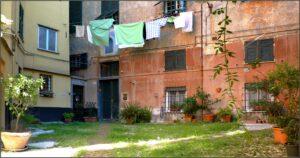 Il_cortile_della_Giuggiola_-_panoramio
