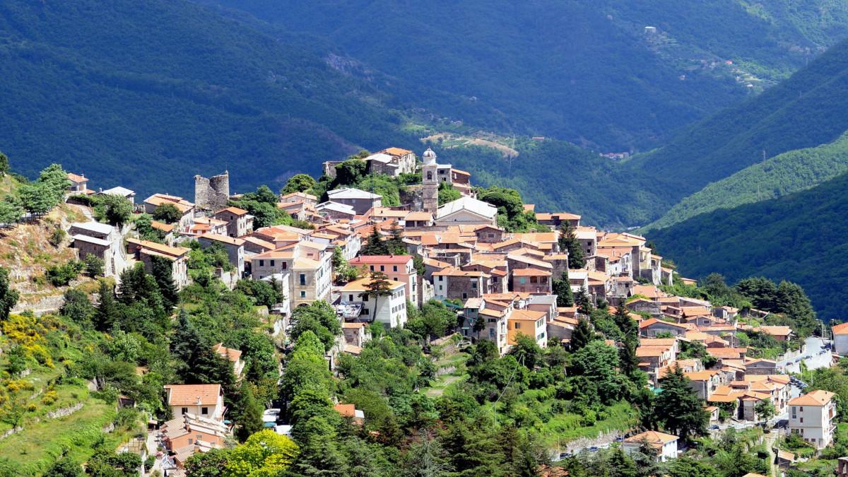 """Triora tra i """"Villaggi degli Alpinisti"""": unico in Liguria"""